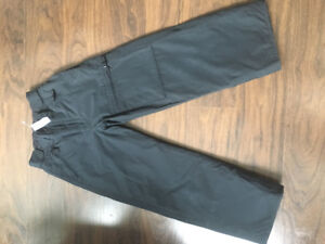 Brand new with tag boys Gap snow pant size 10.