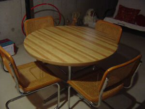Vintage round dining table + 4 chairs set