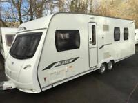 ☆ 2010/11 LUNAR DELTA TI TWIN AXLE ☆ FIXED ISLAND BED 4 BERTH TOURING CARAVAN ☆