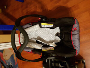 Babytrend car seat in excellent condition