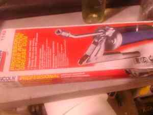 Grease gun 20.00