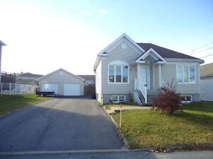 Maison à vendre 2020, rue des Véroniques, Alma Lac-Saint-Jean Saguenay-Lac-Saint-Jean image 1