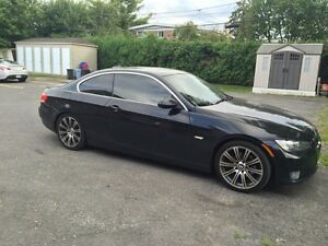 BMW 328i - 2 Door Coupe - 130,000kms Black on Black - 11,500$