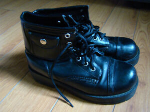 Ladies black short motorcycle boots size 9W