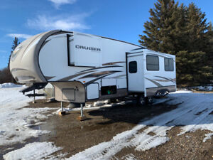 2014 Cruiser Aire Fifth Wheel with Bunk House