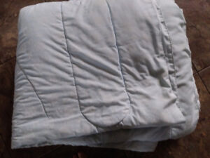 Double Comforter, light blue with white flowers