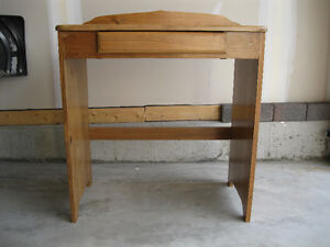 REDUCED: Children's Desk