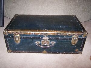 """ANTIQUE """"MONARCH STREAMER LUGGAGE"""" WITH LEATHER HANDLE,RUSTIC!"""
