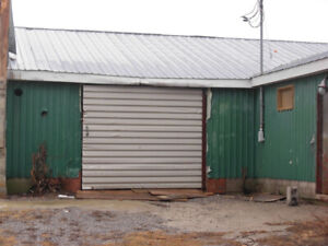 2 GARAGES FOR RENT IN PORT PERRY, ON