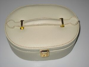 White Jewellery Case - $15.00 obo