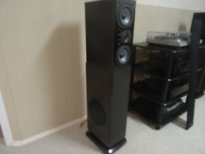 Polk LSi15 speakers