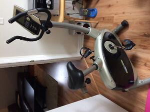 Stationnary bike / velo stationnaire 80$