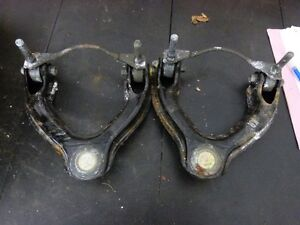 2 NEW CONTROL ARMS