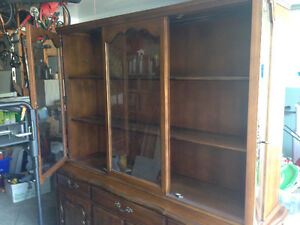 Gorgeous Solid Wood Hutch and Buffet Kitchener / Waterloo Kitchener Area image 6