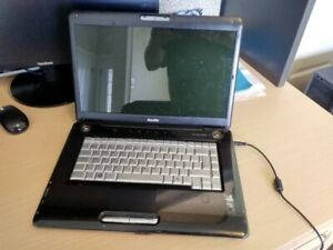 Toshiba Satellite A350D, 4GB, 500GBHD, AMD HD3650, HarmonKardon
