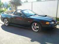 2003 Ford Mustang convertible 1 proprio femme Autre