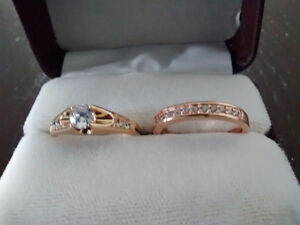2 jolies bagues or rose 18 k golden plated (plaqué or)