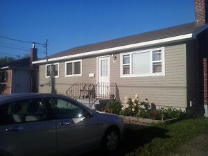 3 Bedroom Centrally located - Heat & Lights inc
