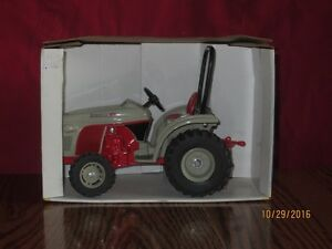 8 N Toy Boomer Tractor