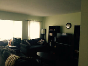Univerisity studends wanted .Condo 1370 Henry Street