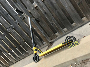 NEW! Madd Gear VX8 Team Scooter | Jibs Action Sports