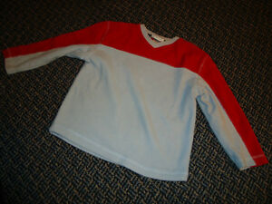 Boys size 5 Lightweight Fleece Sweater