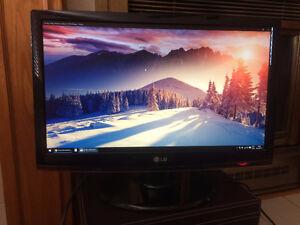 Moniteur d'ordinateur ACL LCD 24po de LG Flatron W2453V 1080p