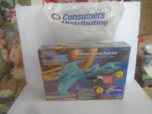 PLAYMATES STAR TREK MEGO FIGURES CONSUMERS SHIPS POSTERS PROMOS