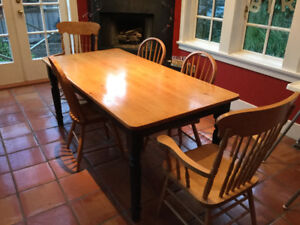 Pine Harvest Table and Chairs