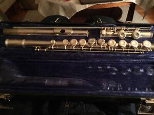 Gemeinhardt flute 2sp Serial #656343 school band use