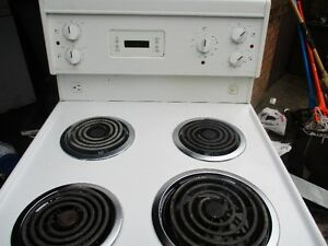 FRIGIDARE APT SIZE STOVE  VERY CLEAN