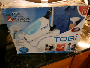 Tobi clothes and fabric steamer