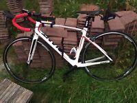 Giant defy 2014 full carbon fibre road bike