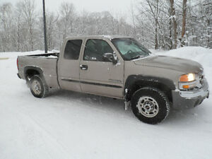 2003 GMC Sierra 2500 Base Pickup Truck