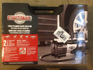 MotoMaster Heavy Duty Tire Inflator with Case, 2-min