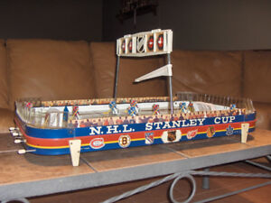 WANTED VINTAGE TABLE TOP HOCKEY GAME