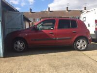 RENAULT CLIO RED 4 DOOR