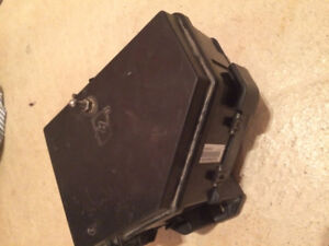 2008 Cadillac CTS Fuse Box Without HID (Xenon) Headlights