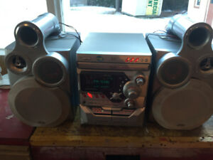 Audio system JVC 300 Watts in excellent condition