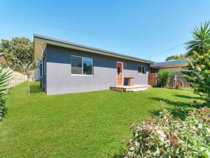 2 BEDROOM HOUSE WITH A GRANNY FLAT!!! $530PW RENT INCOME Parramatta Park Cairns City Preview