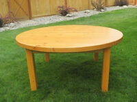 Round pinewood coffee table