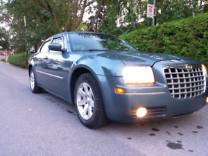 *SOLD-VENDU* 2006 CHRYSLER 300 TOURING-FULL LOAD