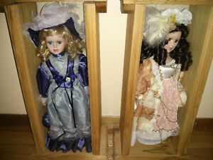 Collectible Dolls With Display Cases West Island Greater Montréal image 1