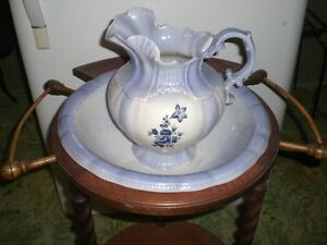 Stand, Pitcher and Wash Basin Windsor Region Ontario image 2
