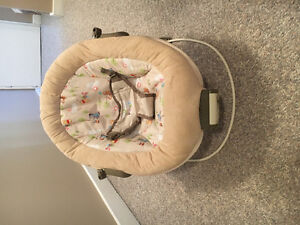 BABY SEAT for Sale: Excellent Condition