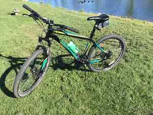 Vélo de montagne Specialized Hardrock moutain bike