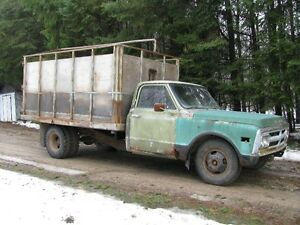 1970 GMC 1 TON WITH HOIST RUNS EXCELLENT 292 BIG 6 CYL 4 SPD