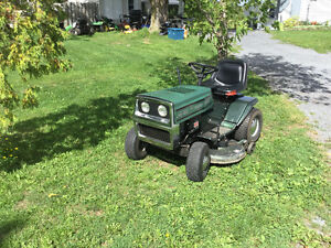 Lawn tractor Cornwall Ontario image 2