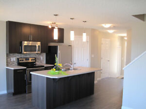 Beautiful 3 Bdrm with 2.5 bath room in beautiful Chappell Garden