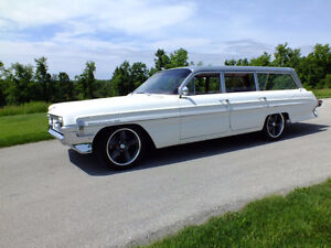 Head turner 1961 oldsmobile wagon